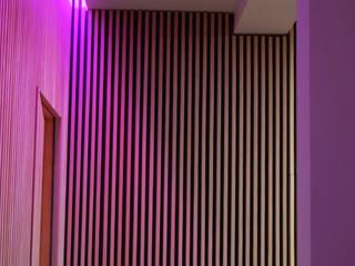 Proyecto C-80 Pasillos, vestíbulos y escaleras modernos de Beqüem Moderno