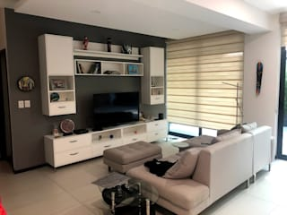 Arquitecto Rafael Balbi Living roomTV stands & cabinets Wood White