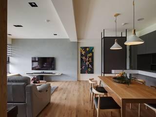 Salon asiatique par 微自然室內裝修設計有限公司 Asiatique