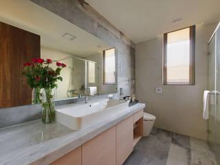 Salle de bain asiatique par 微自然室內裝修設計有限公司 Asiatique