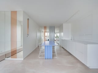 18 JUILLET Salon moderne par UBALT SAS Moderne