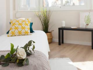 Home Staging en vivienda para venta en Barcelona Dormitorios de estilo moderno de Lala Decor HomeStaging & Reformas Integrales de pisos Moderno
