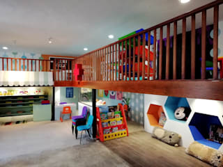 LINOVA Modern event venues Wood Multicolored
