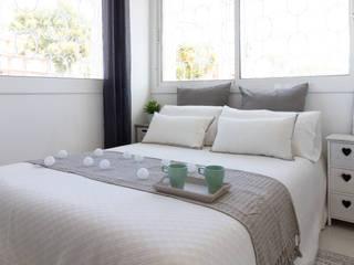 Decoración Integral piso turístico Costa Dorada Dormitorios de estilo mediterráneo de Lala Decor HomeStaging & Reformas Integrales de pisos Mediterráneo