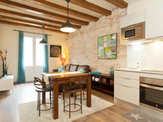 Decoración Integral piso para alquiler en Barcelona Comedores de estilo industrial de Lala Decor HomeStaging & Reformas Integrales de pisos Industrial