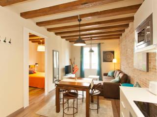 Decoración Integral piso para alquiler en Barcelona:  de estilo industrial de Lala Decor HomeStaging & Reformas Integrales de pisos, Industrial