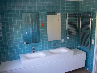 Modern bathroom by Matobra, S.A. Modern