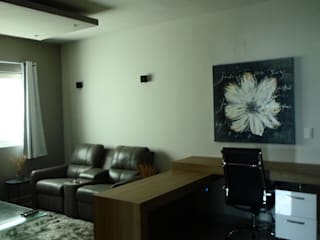 Casa Cumbres Madeira Monterrey NL Estudios y despachos modernos de Diseño Corporativo Moderno