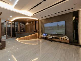 透天別墅 现代客厅設計點子、靈感 & 圖片 根據 美立達室內裝修工作室 現代風