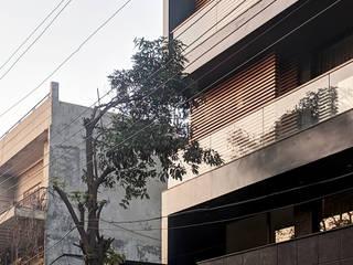 Urban Noire Minimalist houses by Amit Khanna Design Associates Minimalist
