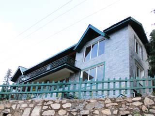Villa Ravine Classic style houses by Amit Khanna Design Associates Classic