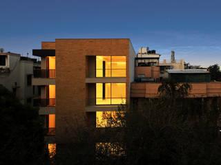 Yellow Brick House Modern houses by Amit Khanna Design Associates Modern