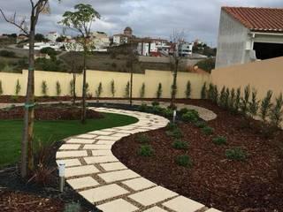 Jardines de estilo mediterráneo de NB Jardins Mediterráneo