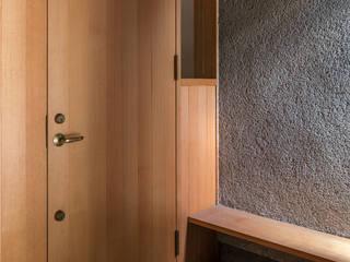 善福寺の家/House in Zenpukuji の 水野純也建築設計事務所 モダン