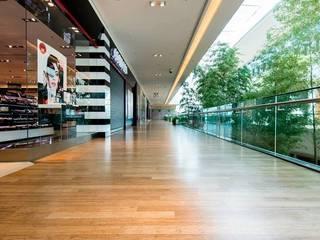 Ruang Komersial Klasik Oleh Norzen - Flooring Experts Klasik