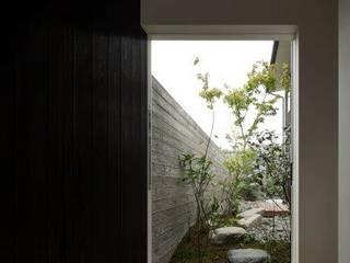 水口の家 モダンスタイルの 玄関&廊下&階段 の HEARTH ARCHITECTS/ハース建築設計事務所 モダン