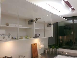 Modern Kitchen by 微.櫥設計/We.Design Kitchen Modern