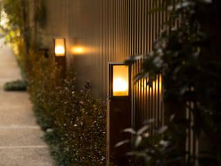 スカイツリーを望む浅草雷門の住まい モダンな 家 の JWA,Jun Watanabe & Associates モダン