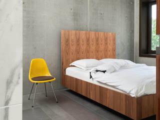 Houten design bed op maat van De Suite Industrieel