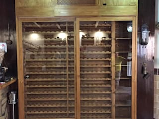 ESTRUCTURAS DE MADERAS RIGÓN, S.L. Dining roomWine racks Solid Wood Wood effect