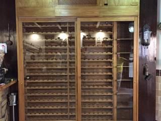 ESTRUCTURAS DE MADERAS RIGÓN, S.L. Столовая комнатаПолки для вина Твердая древесина Эффект древесины