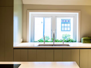 ÈMCÉ interior architecture Built-in kitchens Wood Green