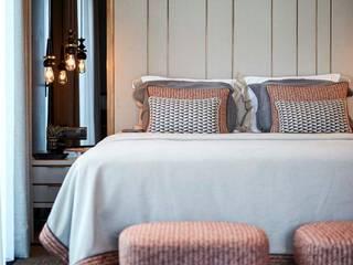 Afyon house Esra Kazmirci Mimarlik Yatak OdasıYataklar & Yatak Başları Keten Turuncu