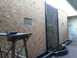 BACKYARD GARDEN WALL by DECOR ART STONES