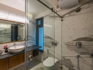 4 BHK Residential Interiors, Prabhat Road Modern bathroom by MnM Architects Modern