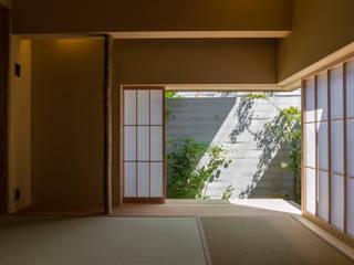 T邸 和風デザインの 多目的室 の 株式会社大森創太郎建築事務所 和風