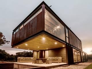 Casa Breit-Fronzig Garajes domésticos de estilo industrial de JPV Arquitecto Industrial