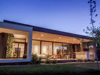 Casa Larrain de JPV Arquitecto Mediterráneo