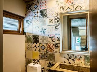 JPV Arquitecto Modern style bathrooms