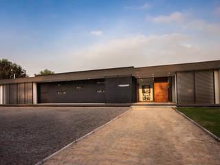 JPV Arquitecto Minimalist house