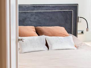 Reforma en Eixample Dormitorios de estilo clásico de Innovo Clásico
