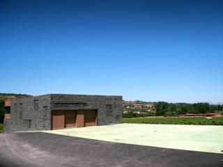 Balcones y terrazas modernos de Rafael Hernáez Loza AITEC Proyectos Moderno
