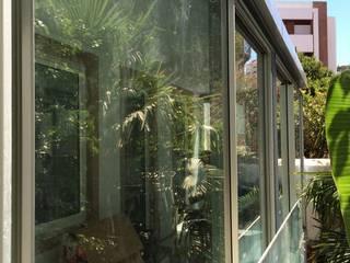 Projecto de ampliação de apartamento em Lisboa, Anjos. Jardins de Inverno minimalistas por Metalúrgica Joao Gonçalves, Lda Minimalista