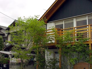 庭 遊庵 Modern style gardens