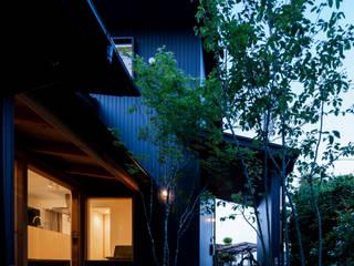 bởi 松原建築計画 一級建築士事務所 / Matsubara Architect Design Office Chiết trung