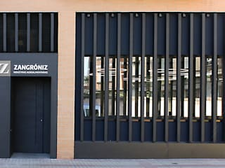 Puertas modernas de Rafael Hernáez Loza AITEC Proyectos Moderno