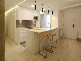 Cocinas de estilo moderno de Rafael Hernáez Loza AITEC Proyectos Moderno