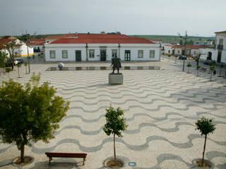 Requalificação da Praça Vasco da Gama, Vidigueira Jardins minimalistas por Jorge Cruz Pinto + Cristina Mantas, Arquitectos Minimalista