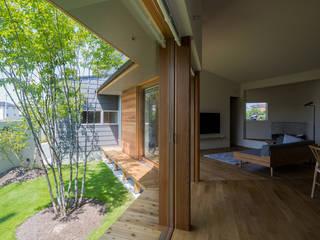 Cửa sổ & cửa ra vào phong cách chiết trung bởi 松原建築計画 一級建築士事務所 / Matsubara Architect Design Office Chiết trung
