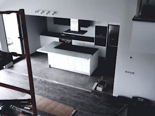 Modern Kitchen by Carul Modern
