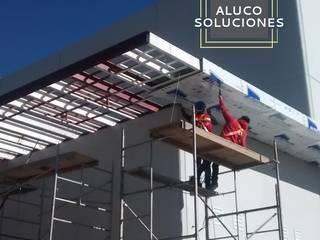Instalación de Panel de Aluminio (Alucobond) Espacios comerciales de estilo moderno de ALUCO SOLUCIONES Moderno