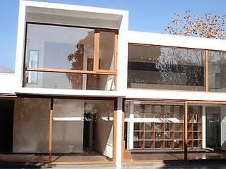 CASA RODODENDROS, VITACURA Martin Rojas Arquitectos Asoc. Casas unifamiliares