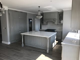 Country Style Kitchen by Samurai Kitchens Country