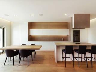 Cocinas de estilo minimalista de sebastiano canzano architetto Minimalista