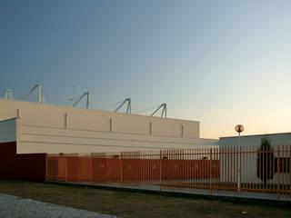 Escola EB2,3 de Ílhavo Ginásios ecléticos por Jorge Cruz Pinto + Cristina Mantas, Arquitectos Eclético