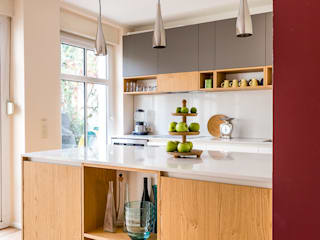 CONSCIOUS DESIGN - INTERIORS Built-in kitchens Wood Red